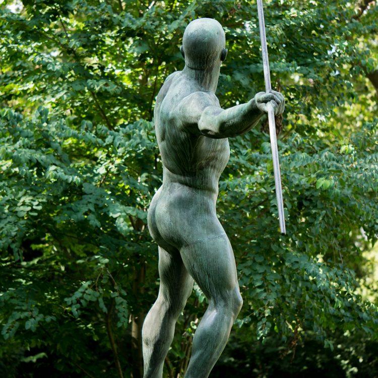 Skulptur Speerwerfer Volkspark Schöneberg von Karl Möbius (1921)