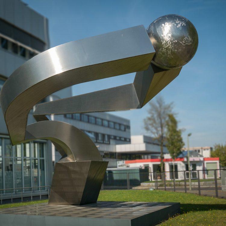Licht-Raum-Dynamik von Volkmar Haase (1994)