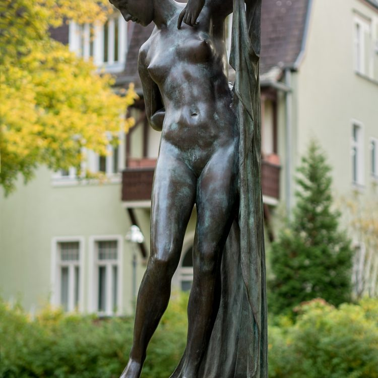 Phryne (Die Badende) von Ferdinand Lepcke (1900)