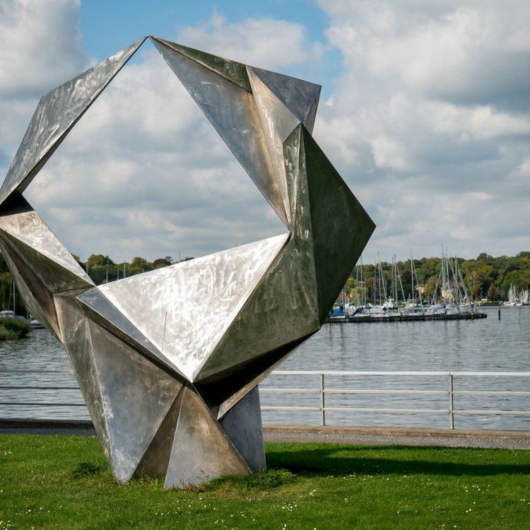 Schwingend von Volkmar Haase (1968-70)
