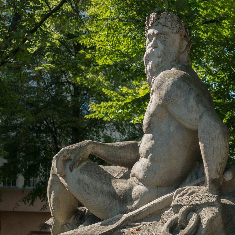 Siegfriedbrunnen am Rüdesheimer Platz in Berlin