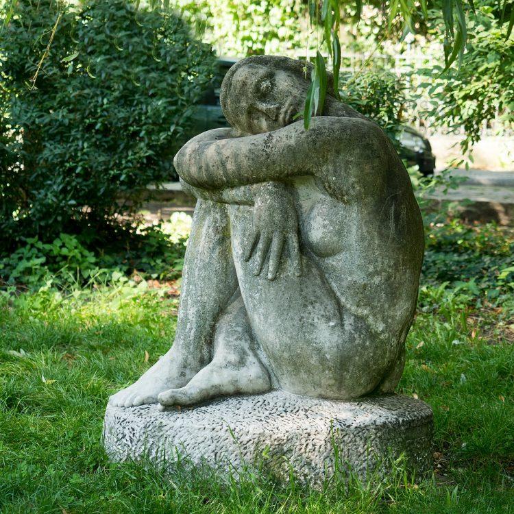 Sitzende Frau von Unbekannt