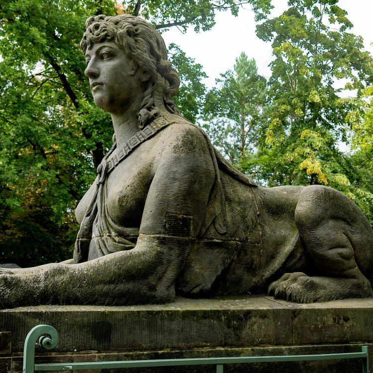 Sphinx von Max Klein (1891)