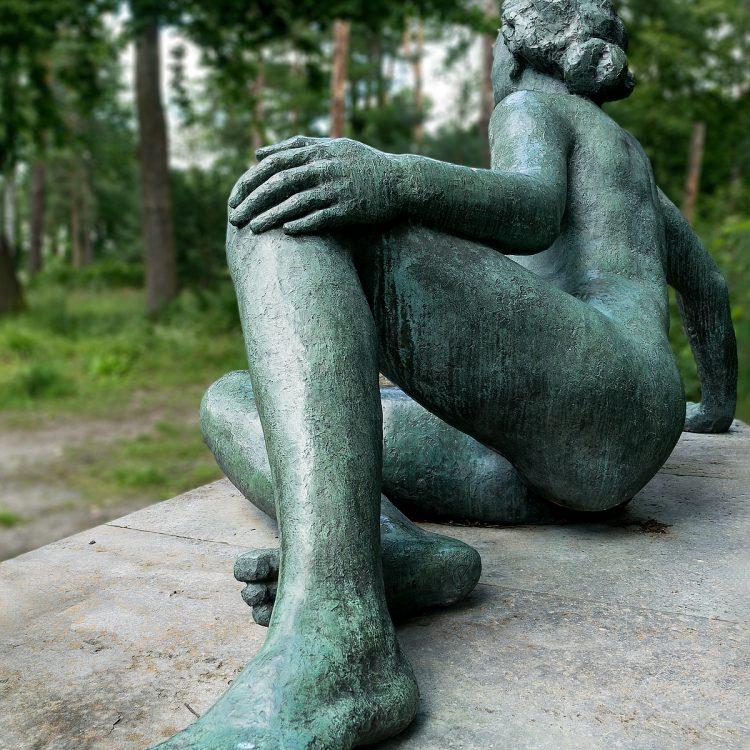 Ruhende von Georg Kolbe im Kolbe-Hain