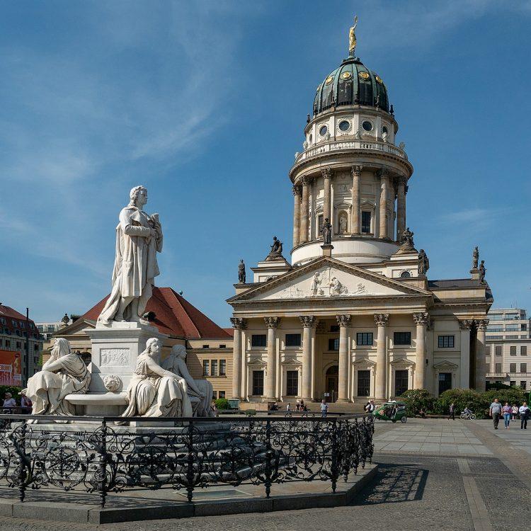 Schillerdenkmal von Reinhold Begas auf dem Gendarmenmarkt