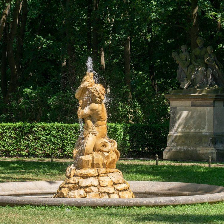 Der Tritonbrunnen am Großfürstenplatz im Tiergarten in Berlin.
