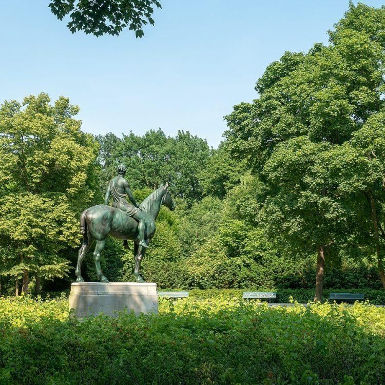Louis Tuaillon, Amazone zu Pferde
