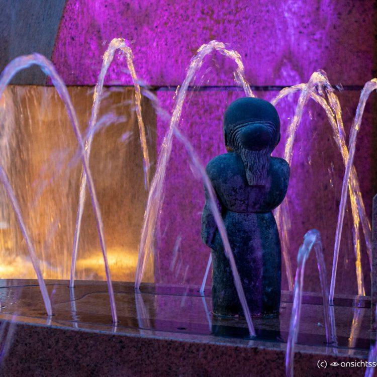 Der Wasserklops auf dem Breitscheidplatz beim Festival of Lights