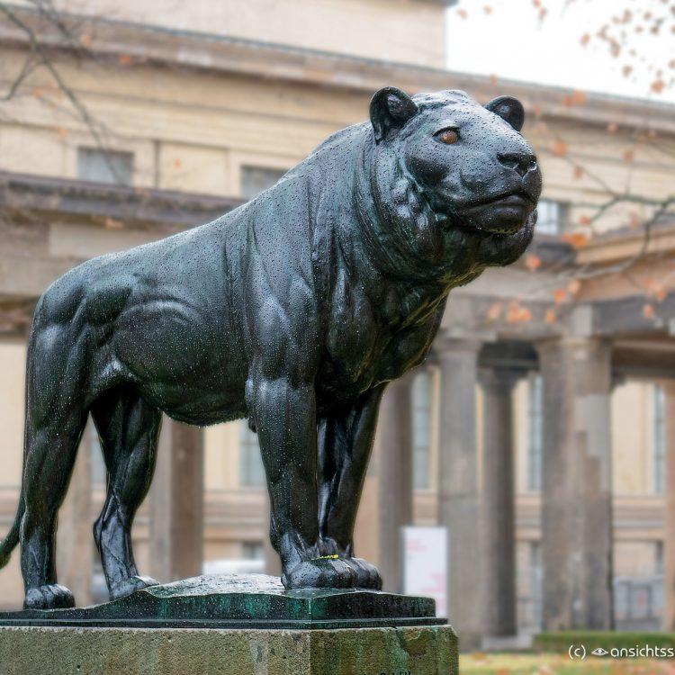 Löwenskulptur von August Gaul (1904)