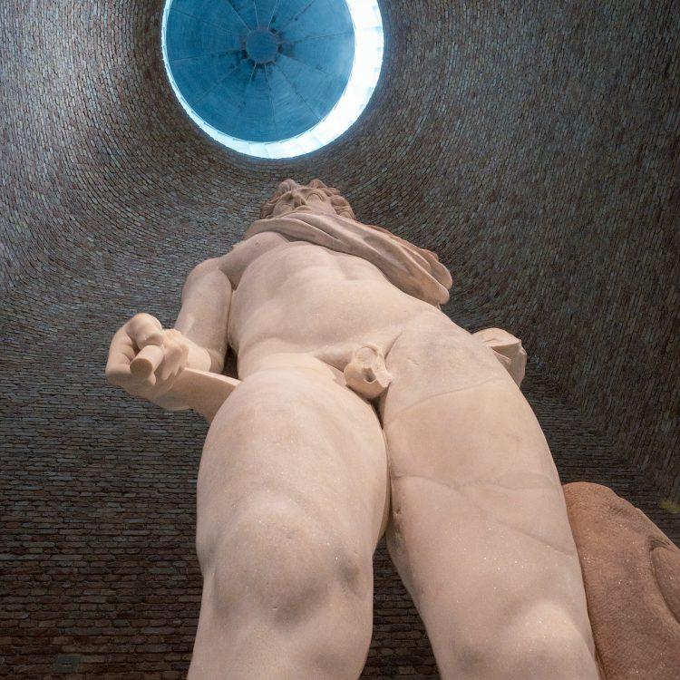 Marmorstatue des Sonnengottes Helios aus dem 2. Jahrhundert