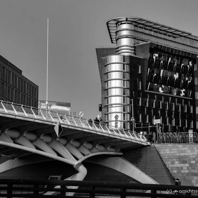 Kronprinzenbrücke und Spree-Eck